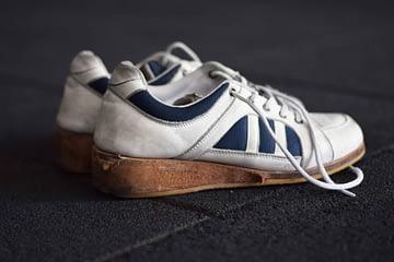 παπούτσια άρσης